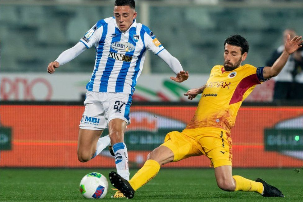 Pescara player in action, Feb 2020
