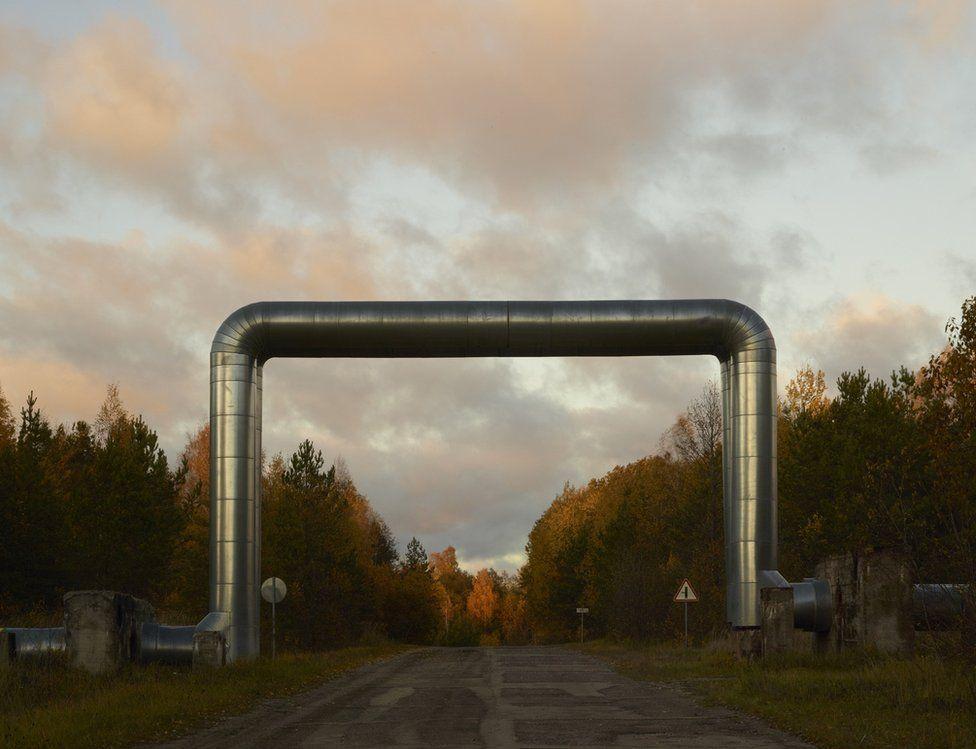 Image from Babochka Atomic Bonds