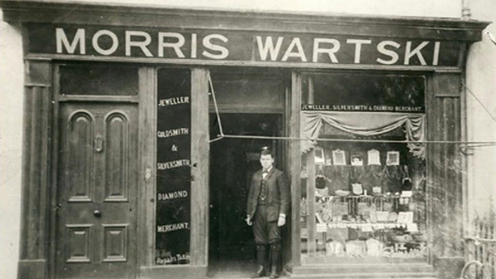 Old photograph of the Wartski shop in Bangor