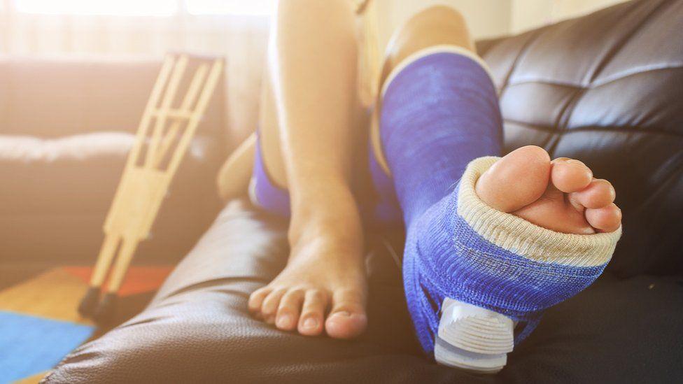 dolor en el hueso del pie al caminar