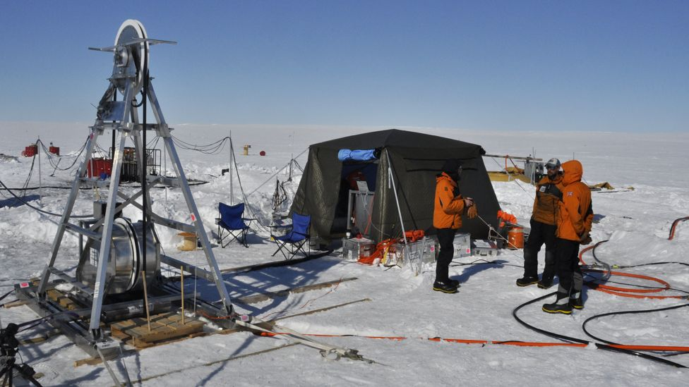Cientistas usam broca para perfurar o gelo