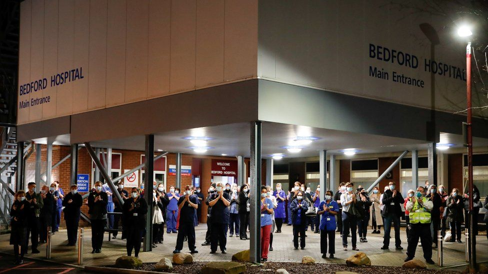Staff at Bedford Hospital clapping