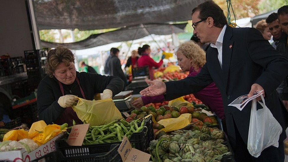 Vegetables being sold in the Spanish region of Murcia (09 December 2015)