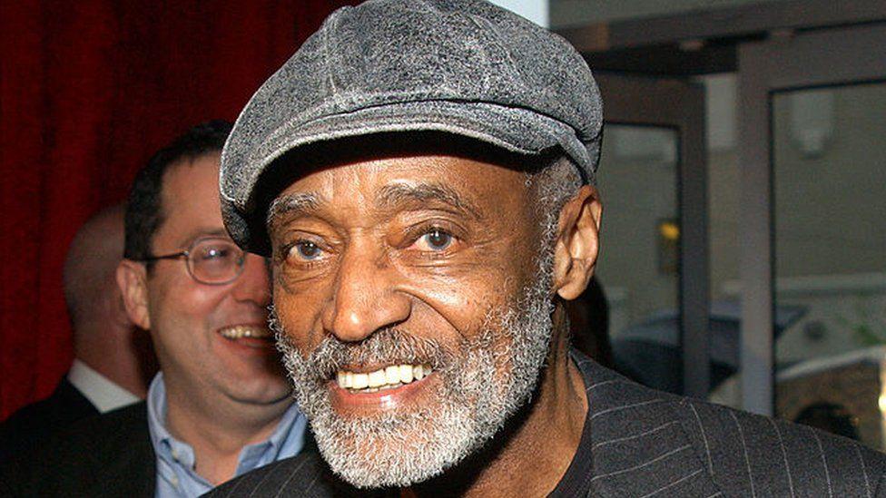 Melvin Van Peebles: 'Godfather of black cinema' dies at 89 thumbnail