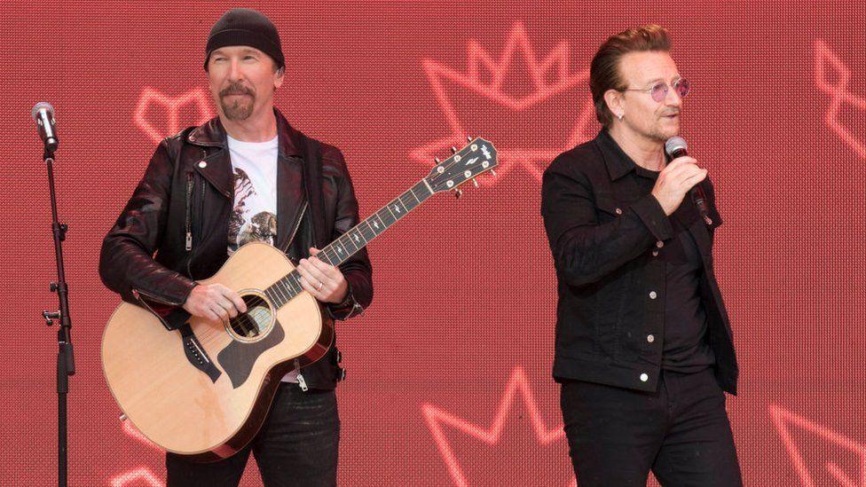The Edge a Bono