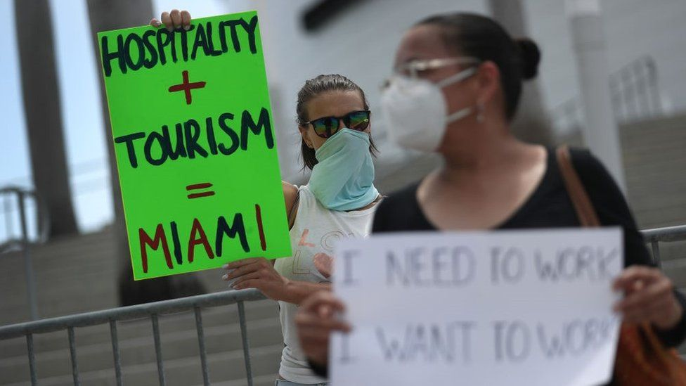 Restaurant owners, workers and supporters gather to protest new measures in Florida