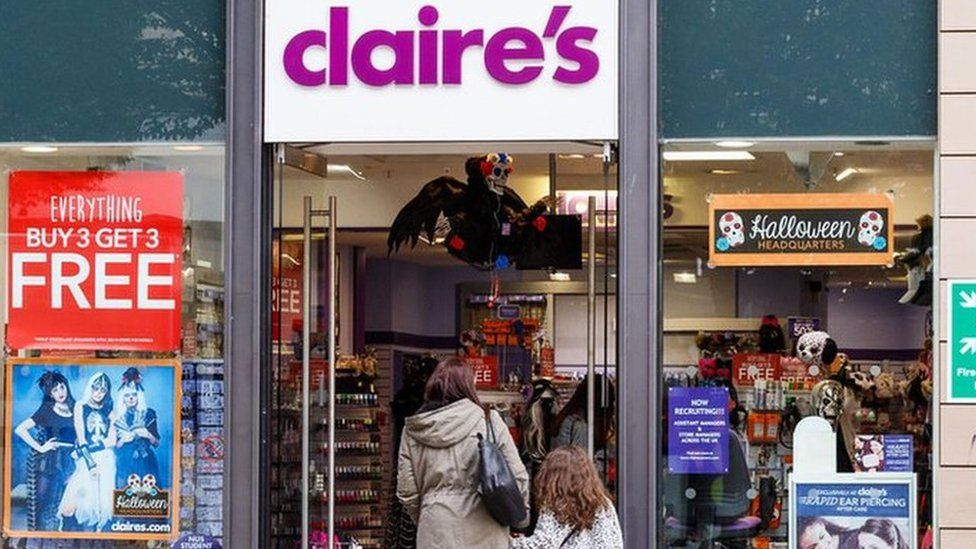 Claire's employee alleges pressure to pierce children
