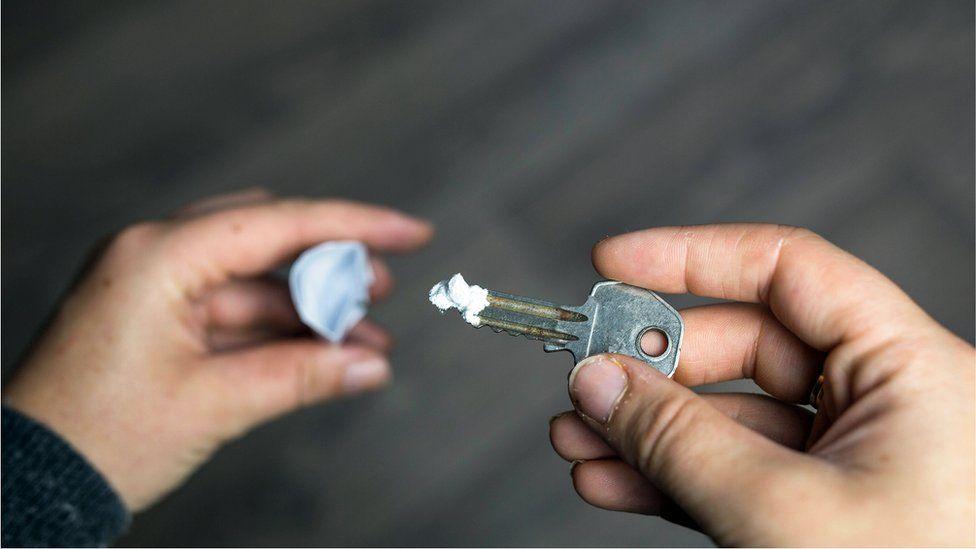 Cocaine on a key