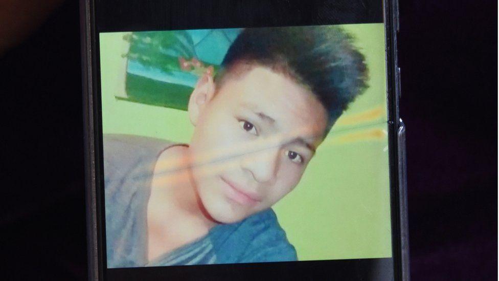 La indignación por el video que muestra cómo murió bajo custodia de la patrulla fronteriza de EE.UU. un adolescente guatemalteco enfermo