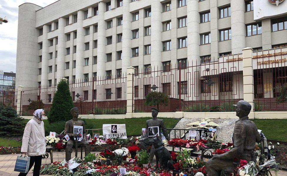 Bench monument to the police where Irina Slavina took her life