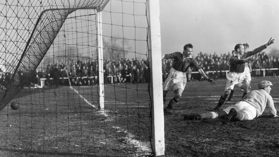 Queen of the South v Aberdeen 1950s