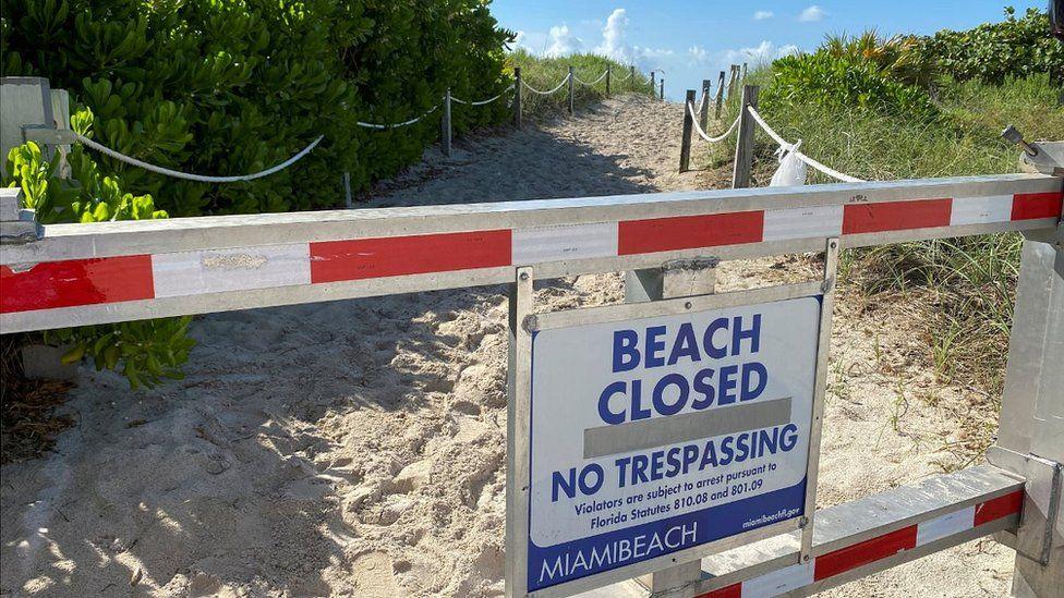 Miami sign at closed beach, 3 Jul 20