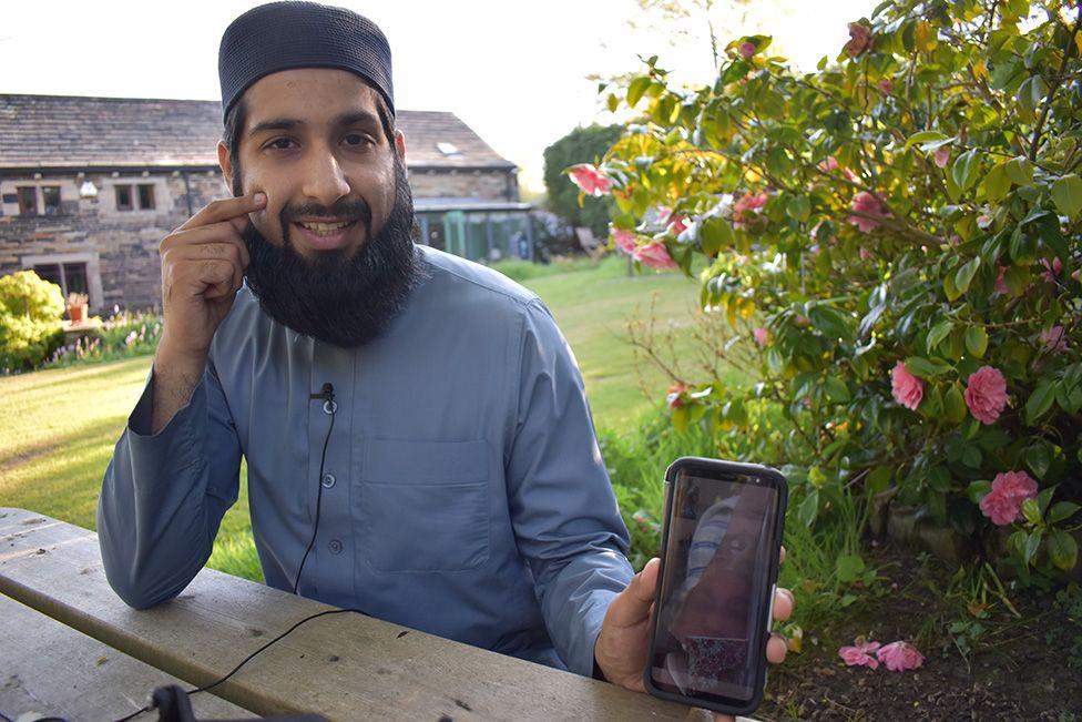 Haroon Hussain calling his dad