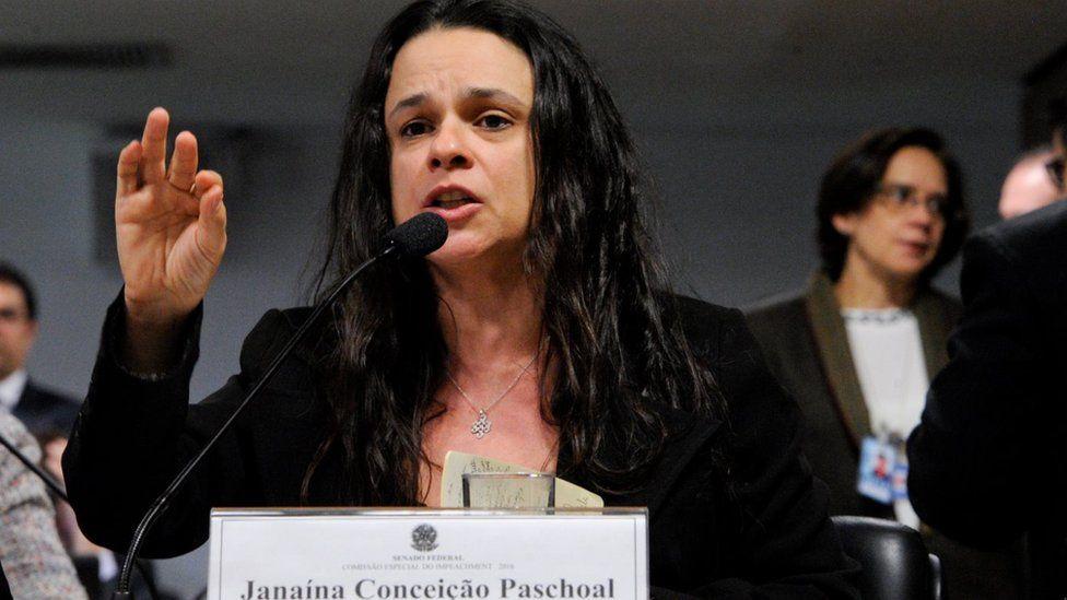 'Temer precisa aprender com o que aconteceu com a antecessora', diz autora de impeachment de Dilma