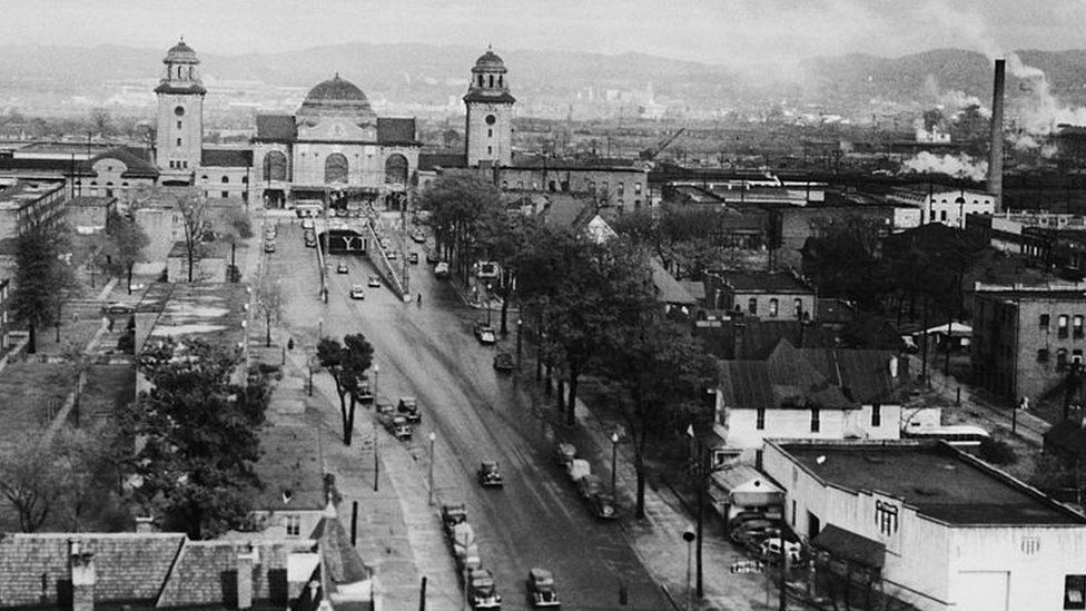 A view of Birmingham, Alabama, with the Birmingham Terminal Station at top left, circa 1940