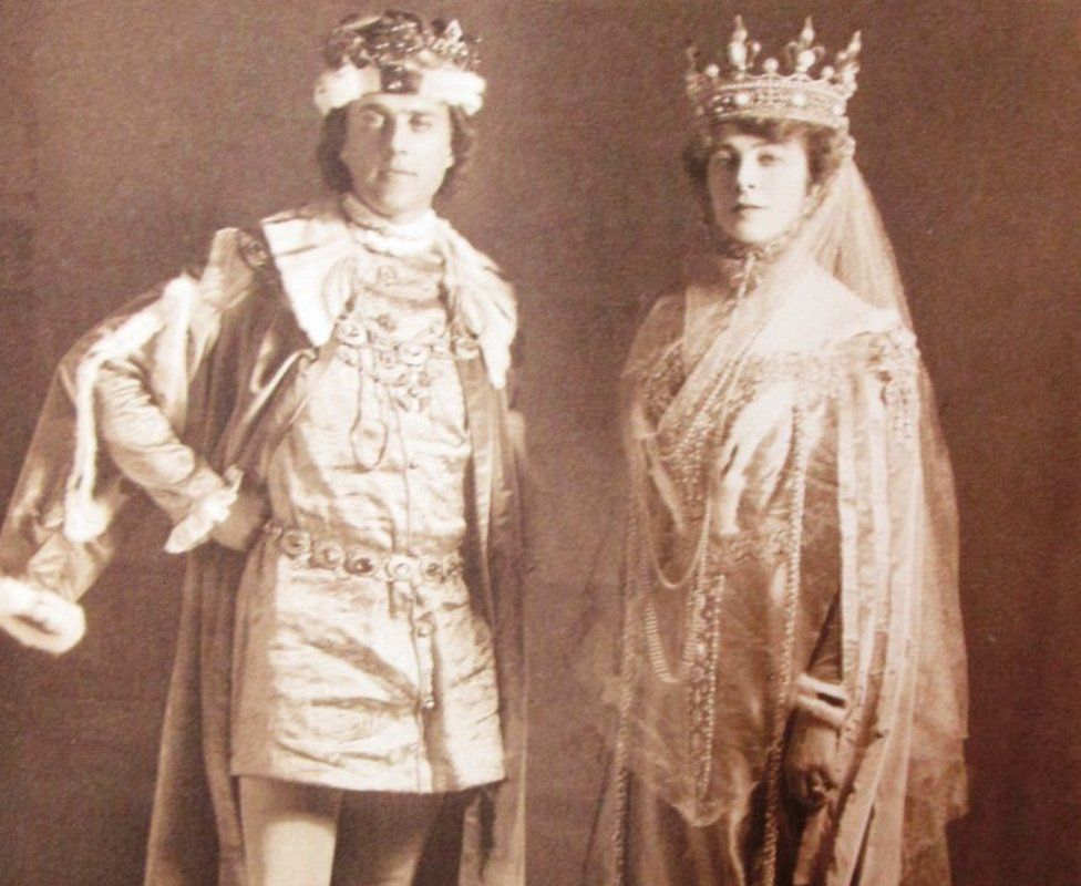 Guests dressed up for the Shakespeare Memorial Ball 1911