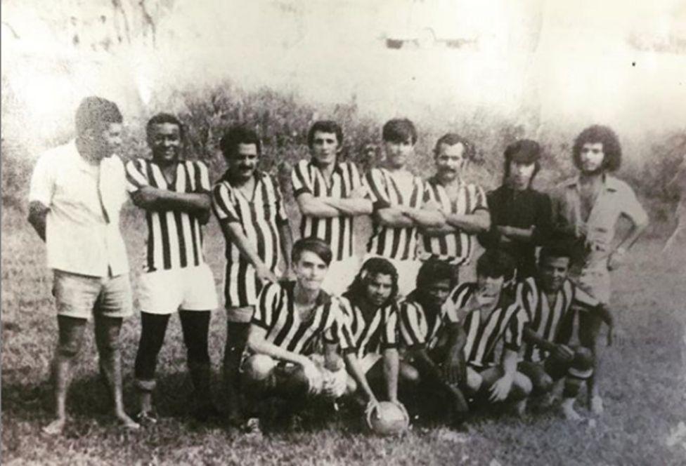 Bolsonaro posa com time em Eldorado