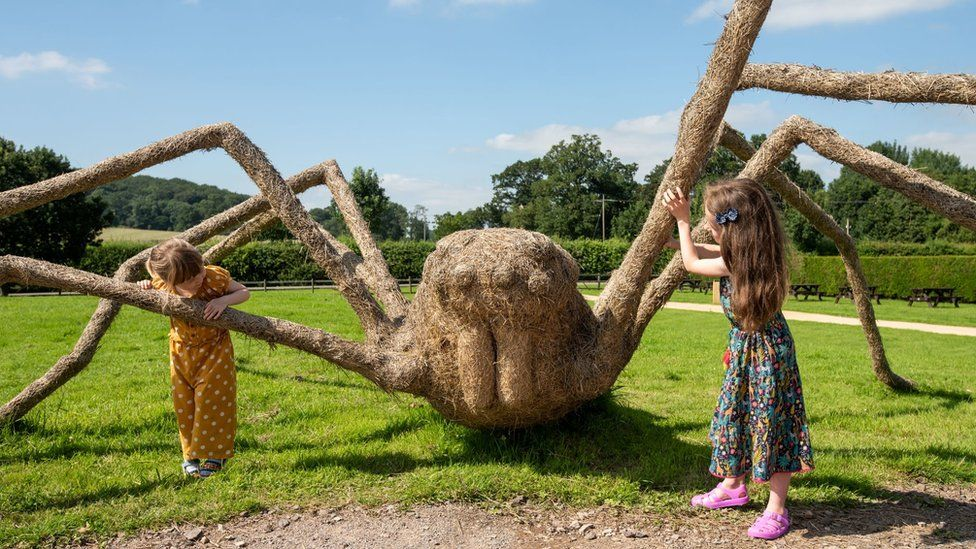 Spider made from straw at Longleat