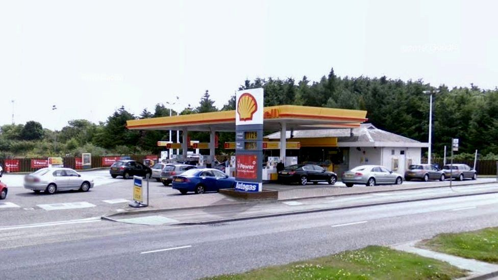 Shell garage Wellington Road