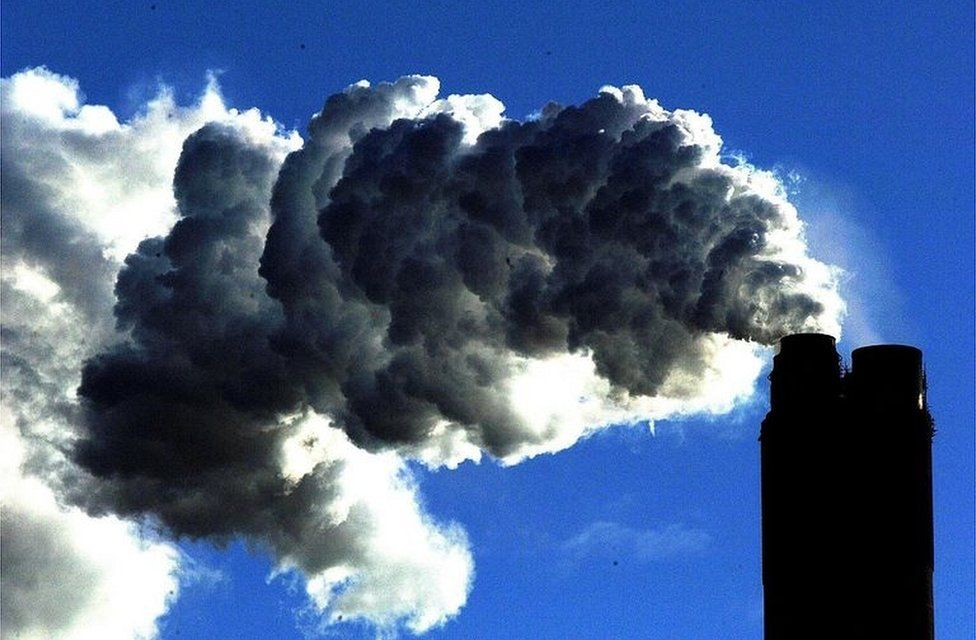 Climate change: UK to speed up target to cut carbon emissions thumbnail