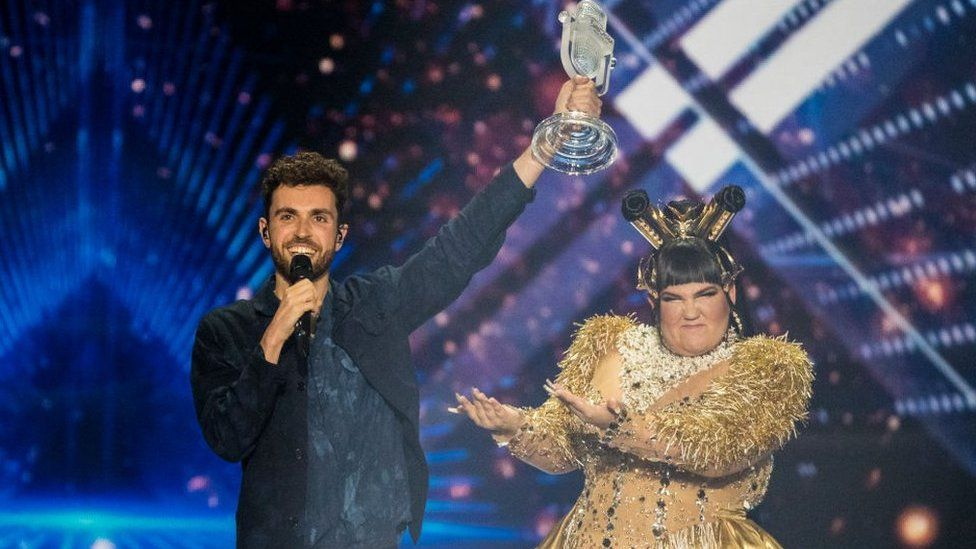 Duncan Laurence with Netta