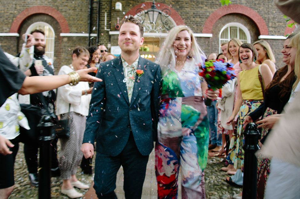 Rory and Lucy Dearlove marrying at Camberwell register office