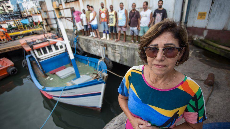 Tragédia de Mariana: sem indenização, vítimas pescam em área contaminada e já acumulam R$ 833 mil em multas