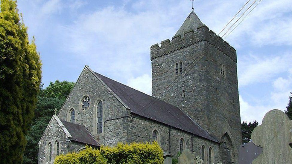 Eglwys Llanddewi-Brefi