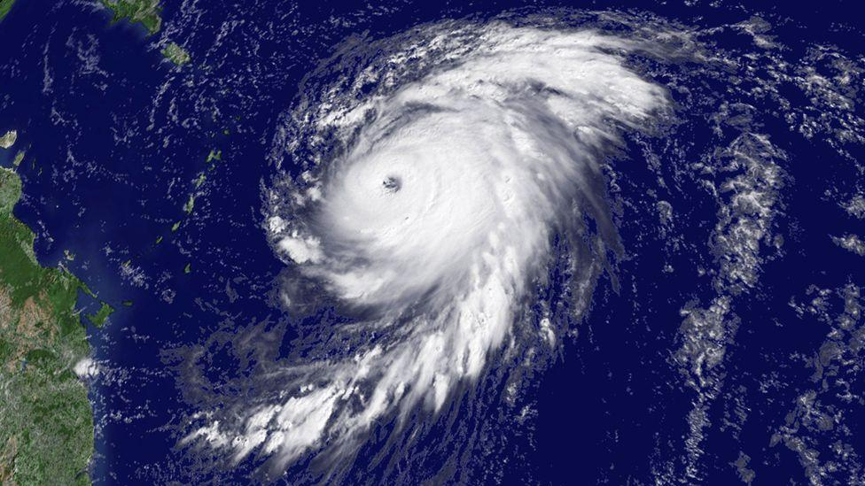 """El """"desconocido"""" fenómeno que provocan los huracanes en el océano revelado por científicos en Estados Unidos"""