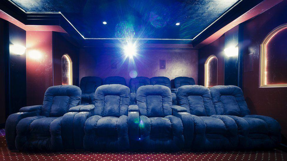 Red Carpet Home Cinema: conheça a 'Netflix dos ricos', onde você paga R$ 12 mil para ver um filme