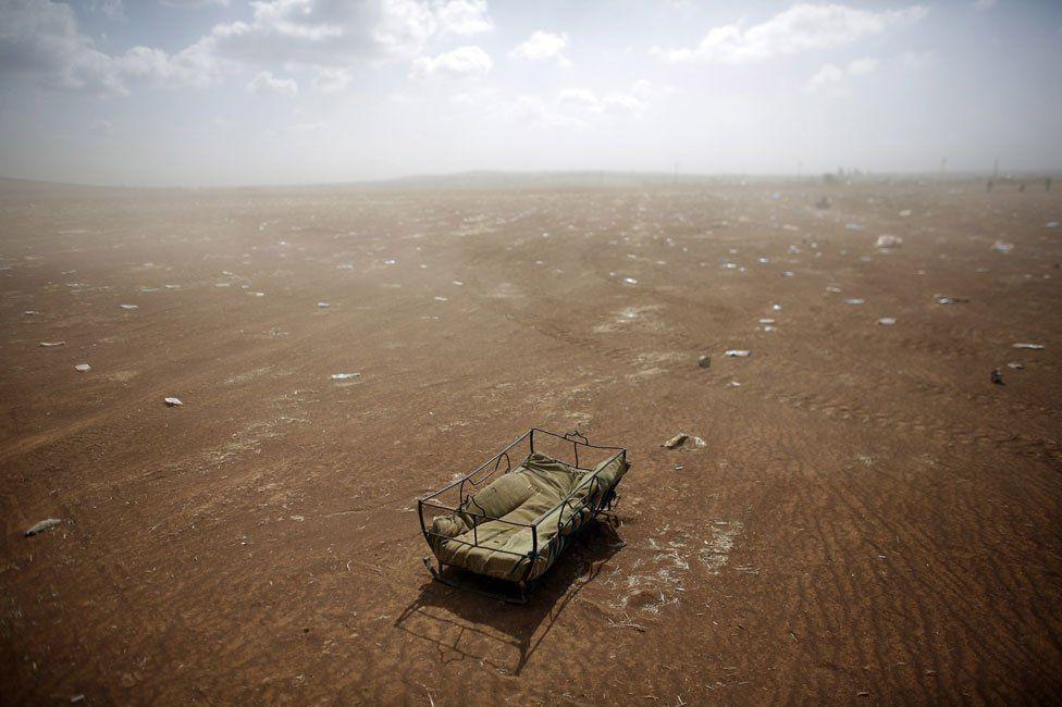 Cradle on Turkey-Syria border