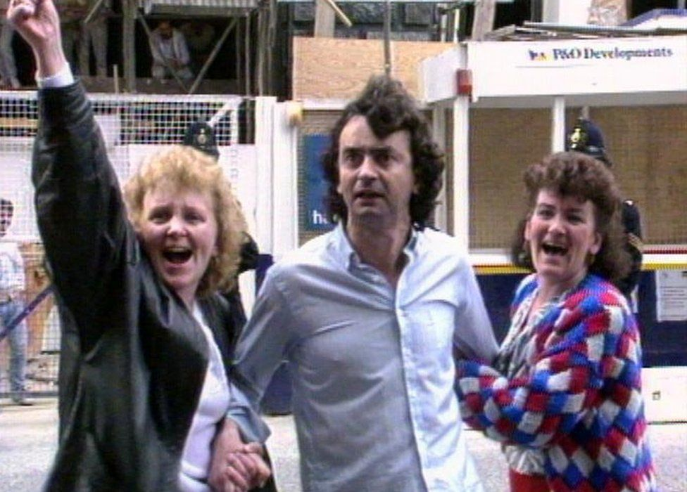 Gerry Conlon with his sisters after being released at the Old Bailey