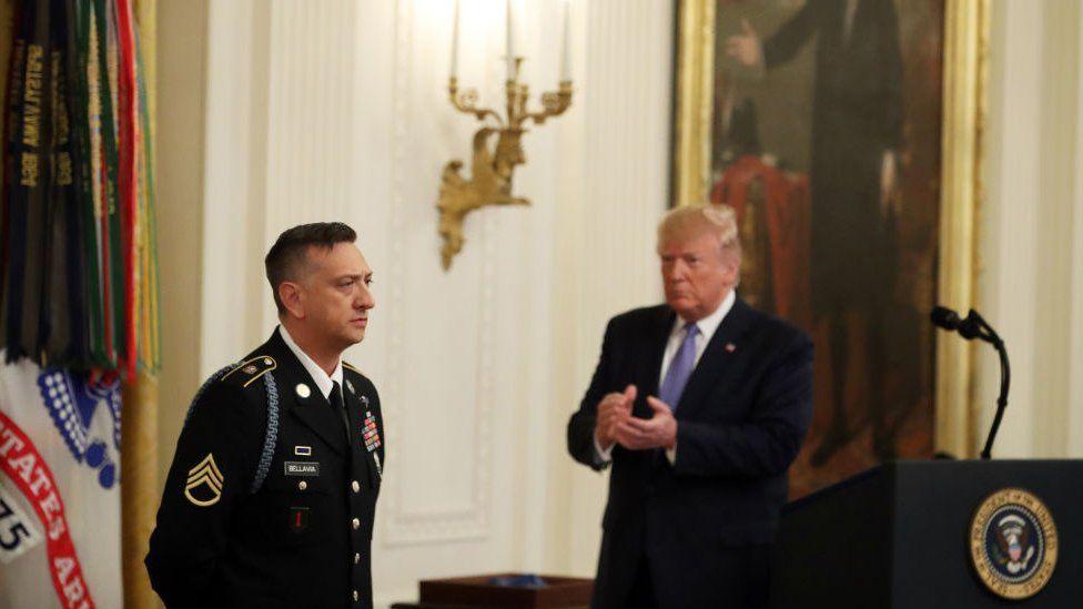 Trump applauds for Medal of Honor winner