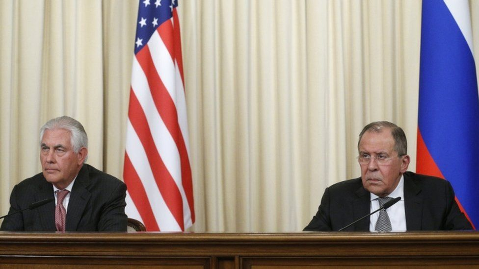Sergei Lavrov (R) and Rex Tillerson in Moscow