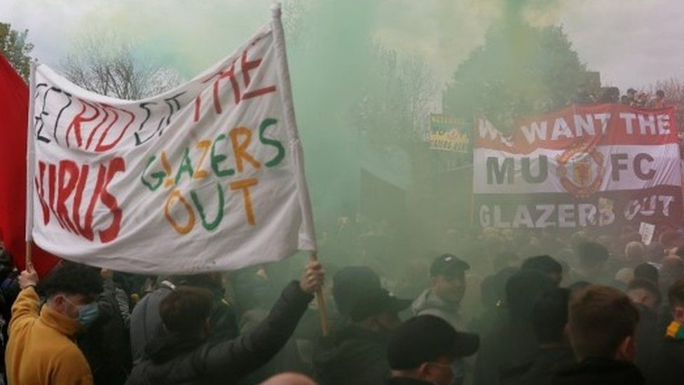 Fans protesting about Manchester United owners