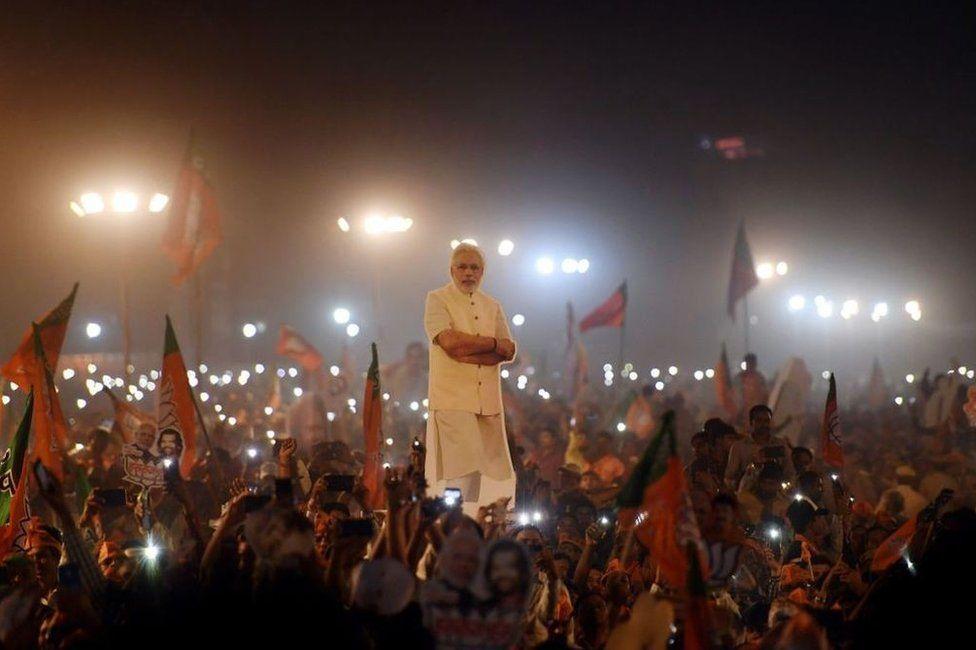 Como o primeiro-ministro reeleito Narendra Modi reinventou a política na Índia