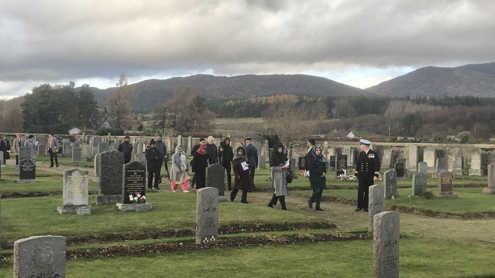Visitors to Kingussie Cemetery