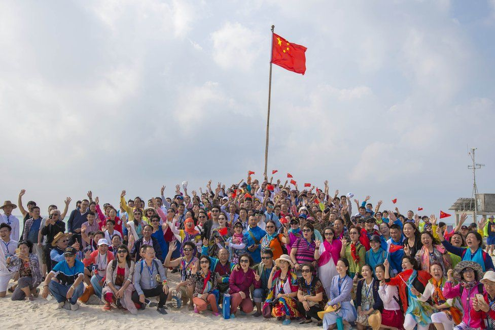 Picture of a Chinese tour group on one of the Paracel Islands on 4 March 2017