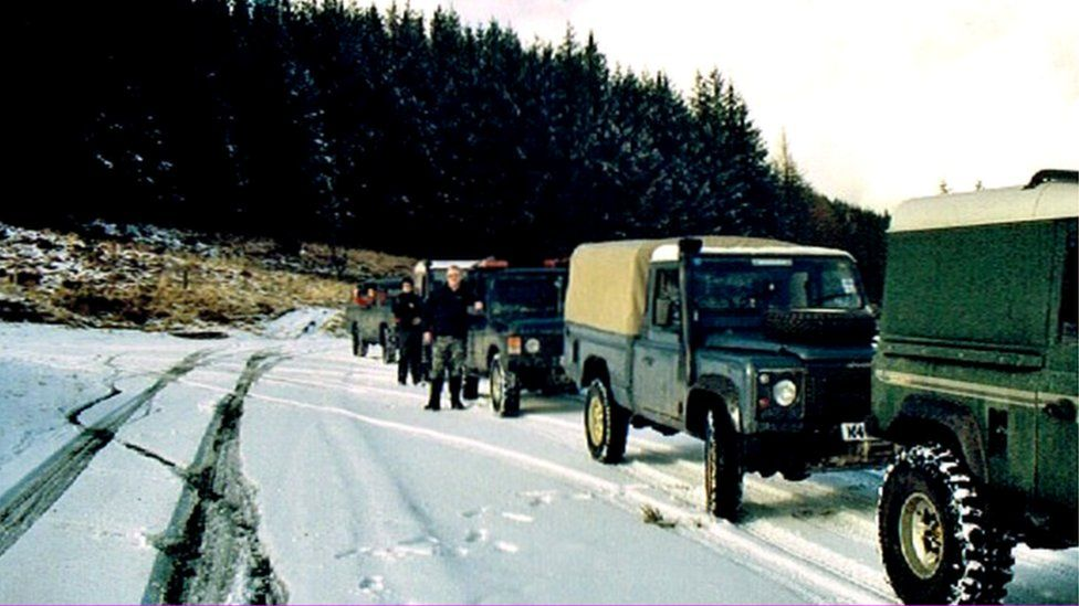 Warwickshire and West Midlands Land Rover Club on a rally in Wales