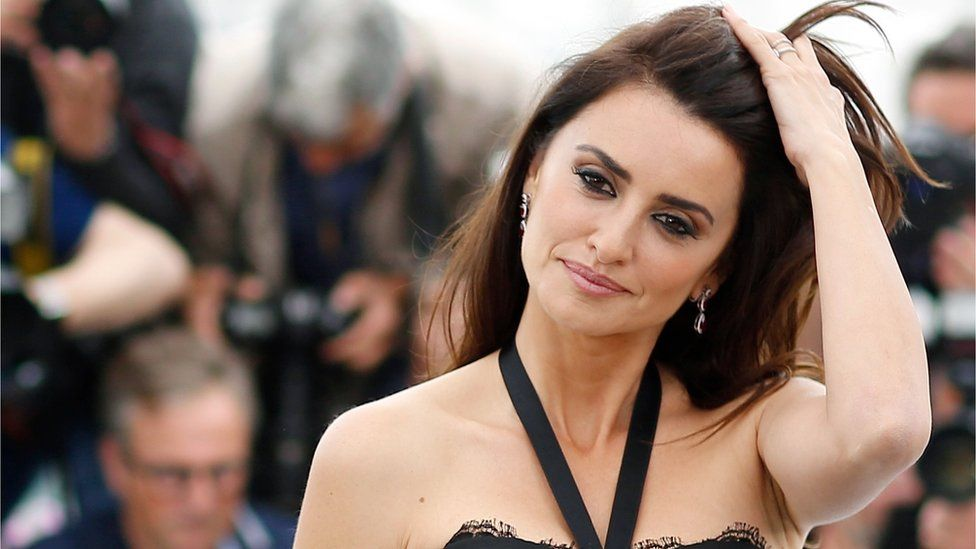 Cannes 2018: Penelope Cruz 'didn't torture herself' for anguished mother  role - BBC News