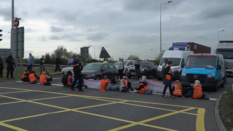 Insulate Britain M25 protest