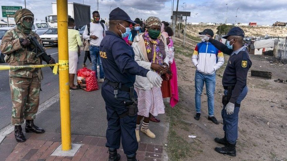 Lockdown checkpoint in Cape Town - 13 May