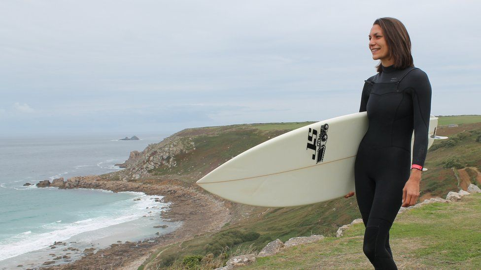 Jessica Cox with surfboard