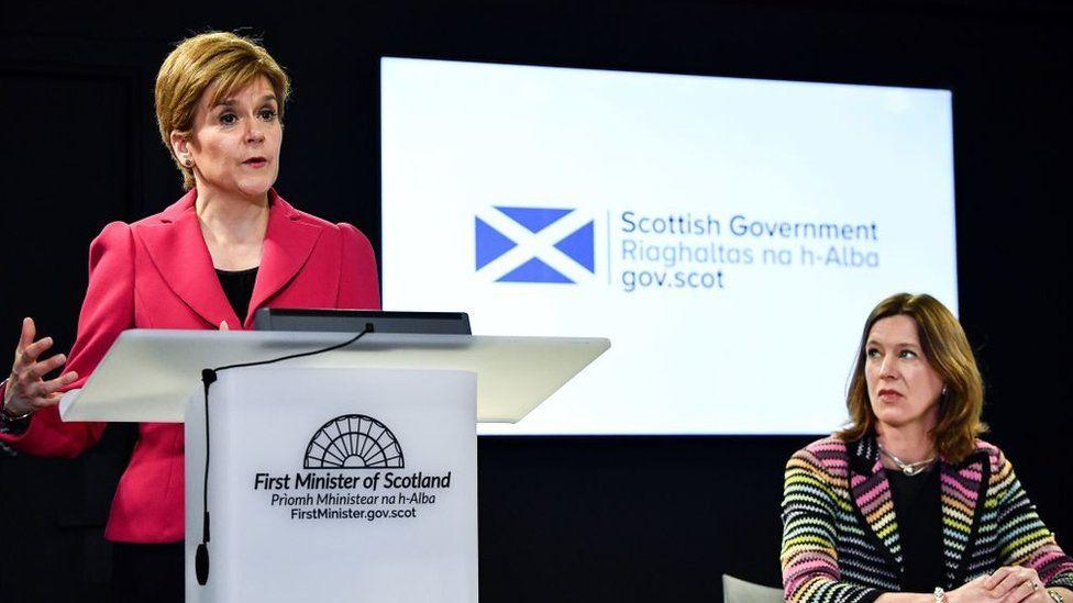Nicola Sturgeon and Dr Catherine Calderwood