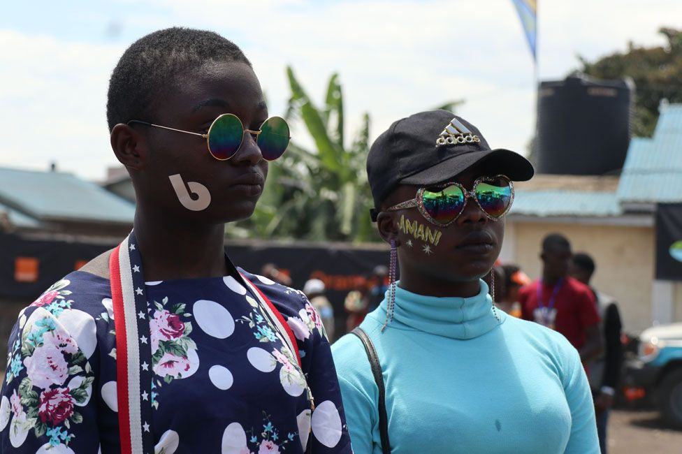 Tow people dressed up for the festival