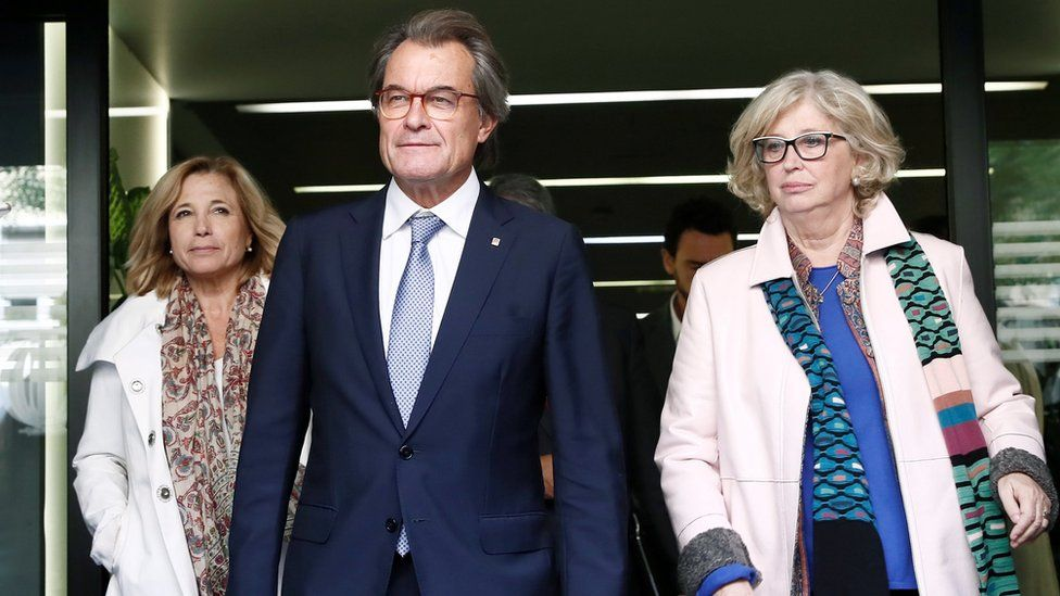 Artur Mas (C); former regional minister Irene Rigau (R), and former regional minister Joana Ortega (L), leave the Spanish Court of Auditors in Madrid, Spain, 10 October