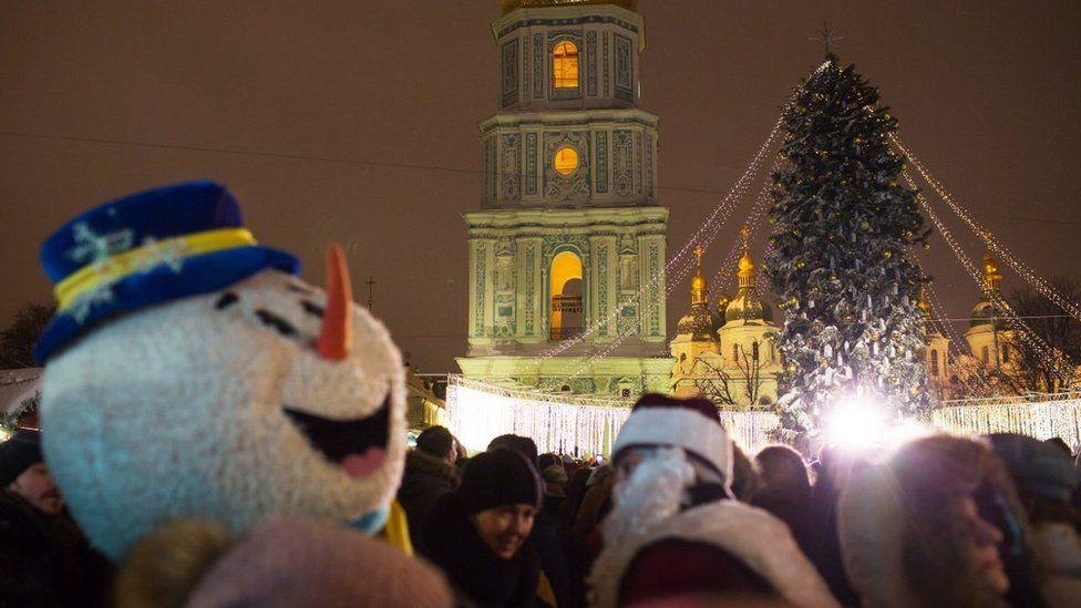 Сніговик на Софіївській площі у Києві