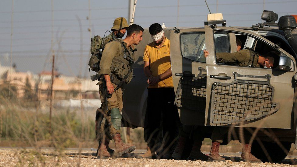 Four of six Palestinian prison escapees recaptured - Israel thumbnail