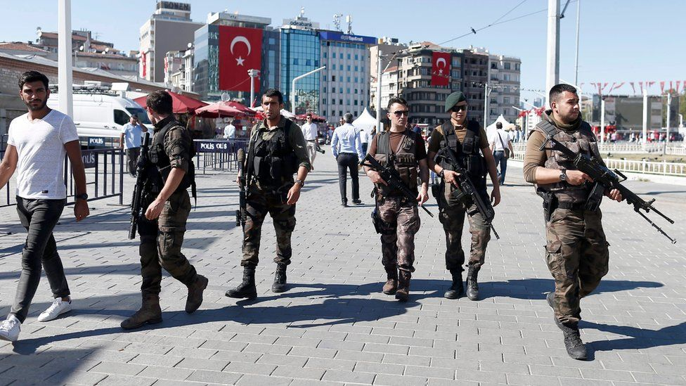 Turkish troops patrolling in Istanbul
