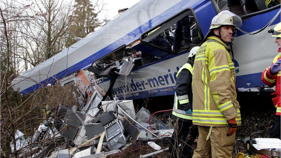 Rescue teams at scene of crash near Bad Aibling. 9 Feb 2016